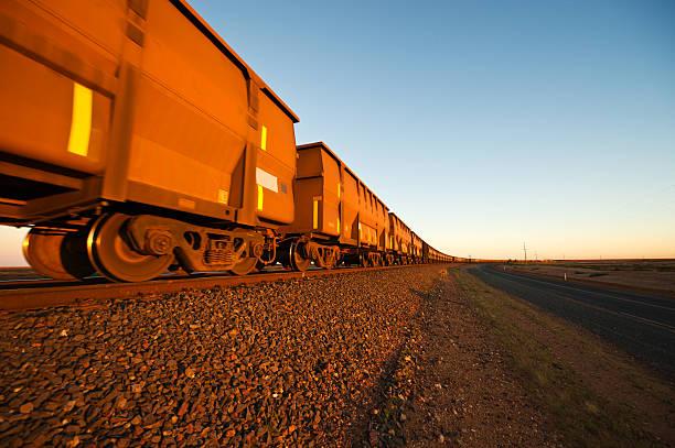 Le train miniature H0, H0e, N en 2R ou 3R, Marklin, ROCO ou JOUEF F10