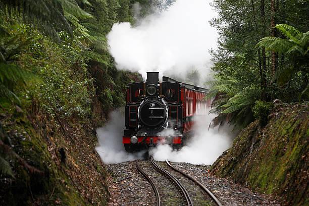 Le train miniature H0, H0e, N en 2R ou 3R, Marklin, ROCO ou JOUEF G10