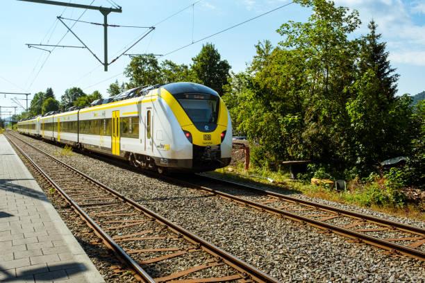 Le train miniature H0, H0e, N en 2R ou 3R, Marklin, ROCO ou JOUEF Xd10