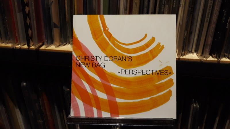 dischi belli, dischi meritevoli, dischi curiosi, dischi... per cui vale la pena mettersi lì ad ascoltare.... - Pagina 5 20201558