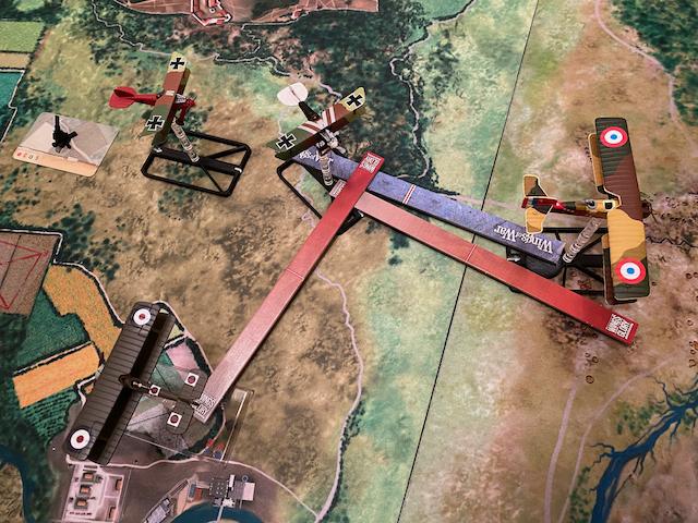 Tanks en mouvement sur les tapis de jeu WOG avec les Avions  Img_8211
