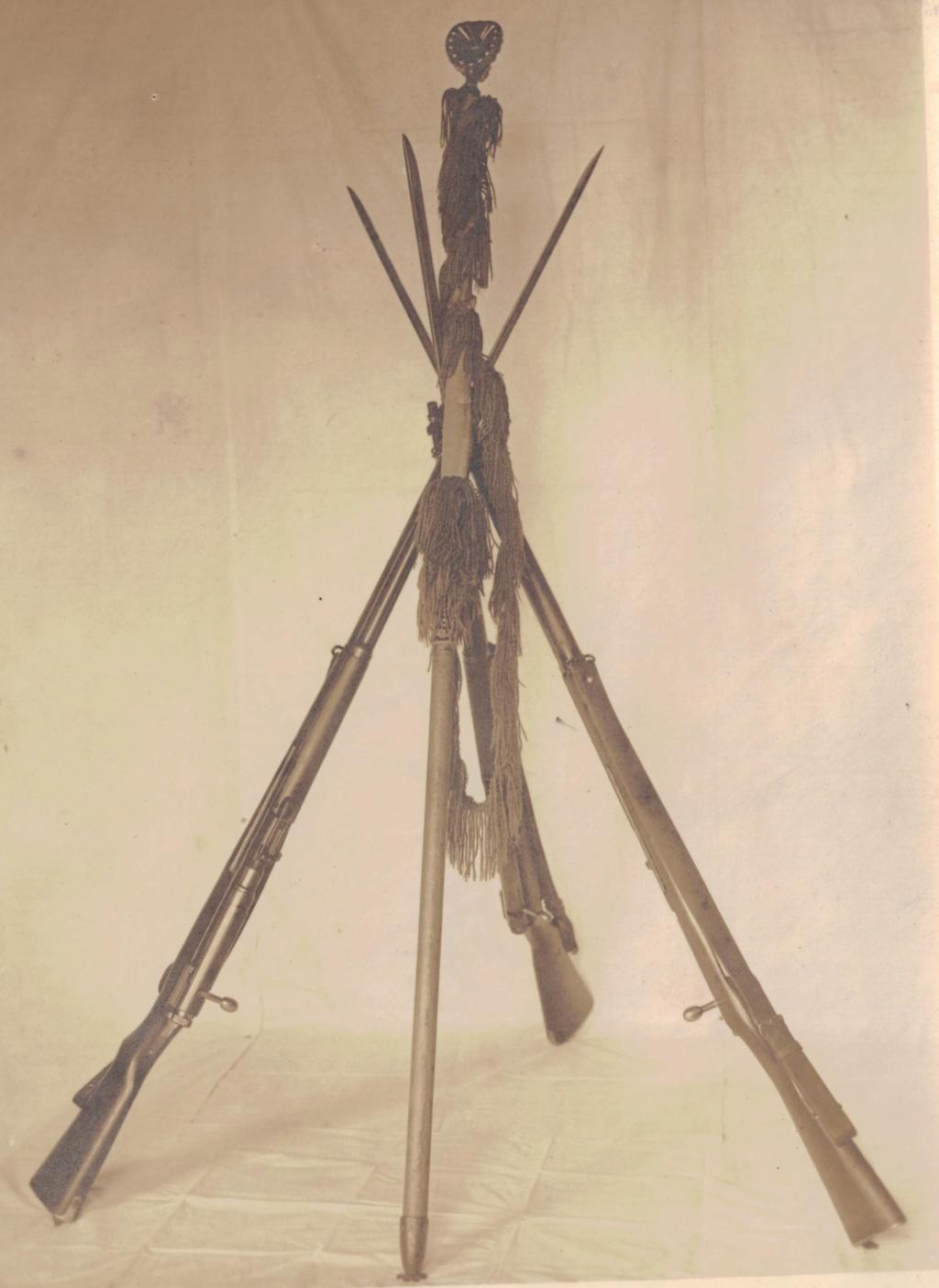 buste d'officier , sous-lieutenant de l'armée impériale . Faisce13