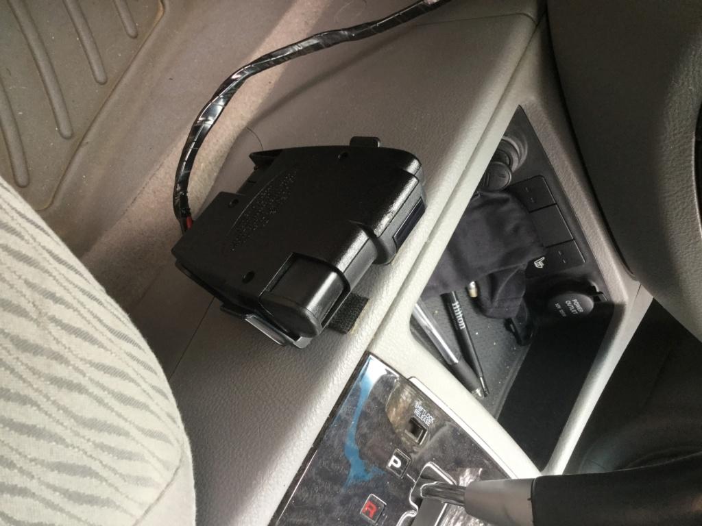 Emplacement du contrôleur de freins Img_0421