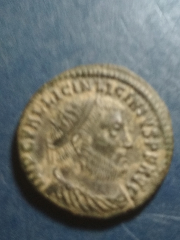 Nummus de Licinio I. IOVI CONSERVATORI. Cycico Img_2042