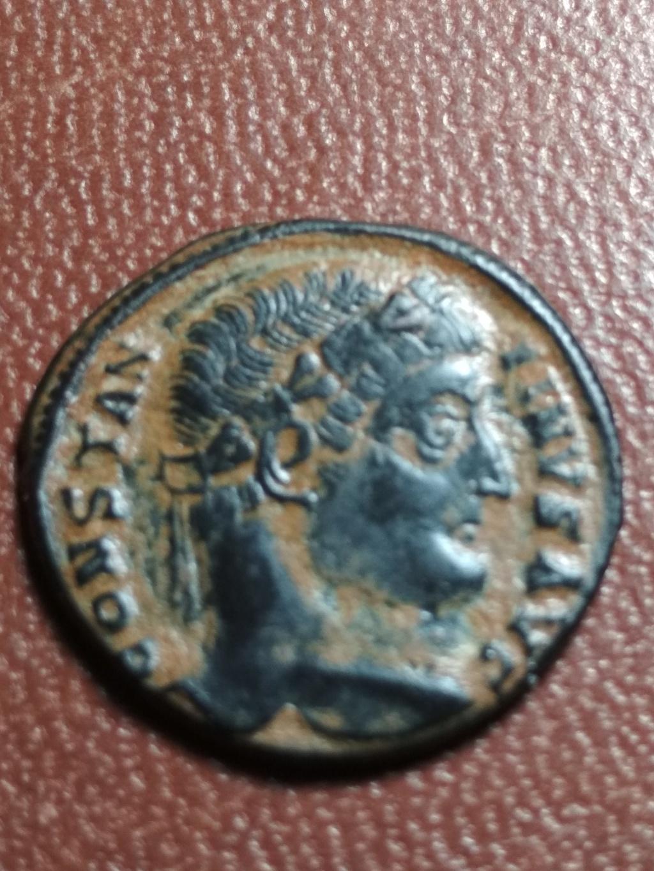 AE3 de Constantino I. PROVIDENTIAE AVGG. Puerta de campamento de dos torres. Antioch. Img_2078