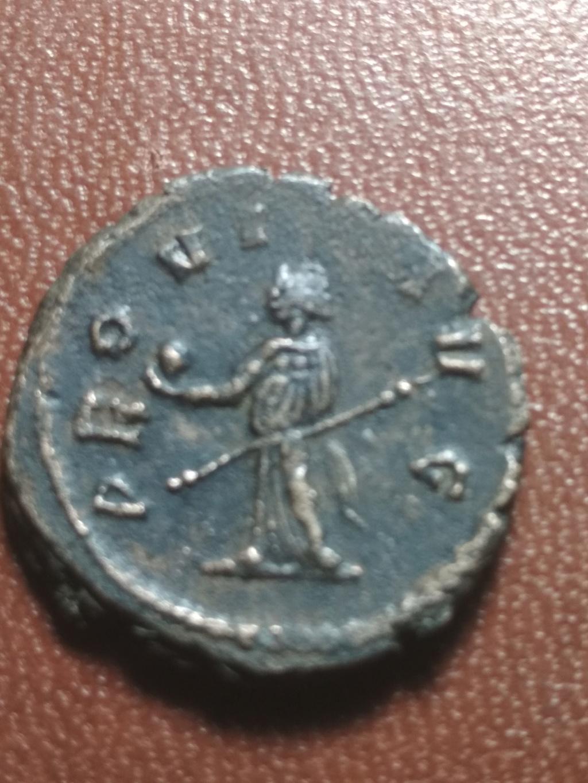 Antoniniano de Claudio II. PROVI AVG. Providentia estante a izq. Roma. (cuño no oficial). Img_2081