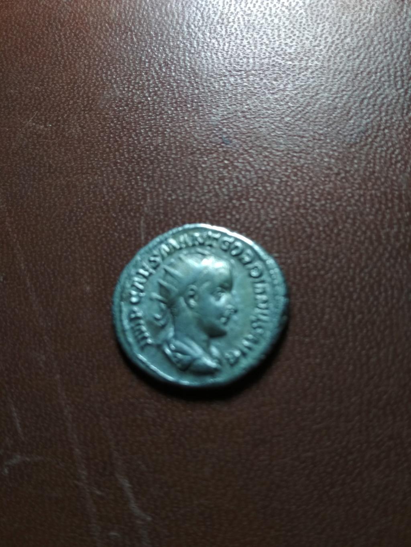 Antoniniano de Gordiano III. VICTORIA AVG. Victoria a izq. Roma Img_2084