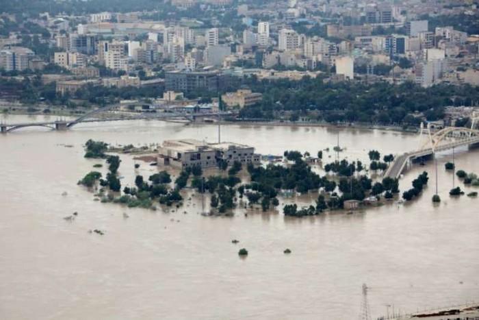 Iran : les inondations causées par les pluies diluviennes ont fait au moins 76 morts Bbvvbf10