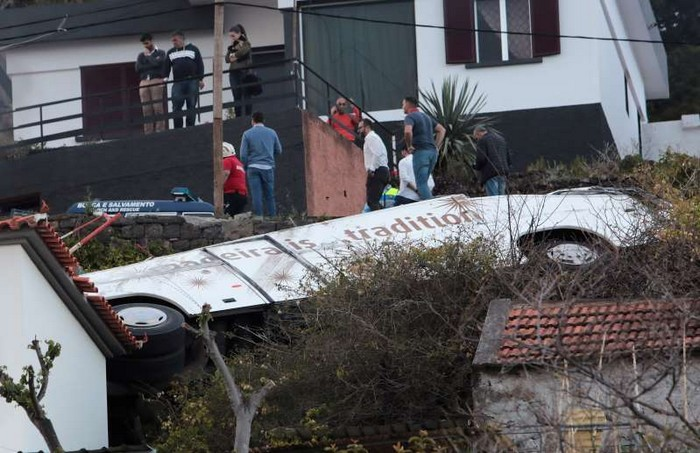 Au moins 29 morts dans un accident de car à Madère Bbw3ke10