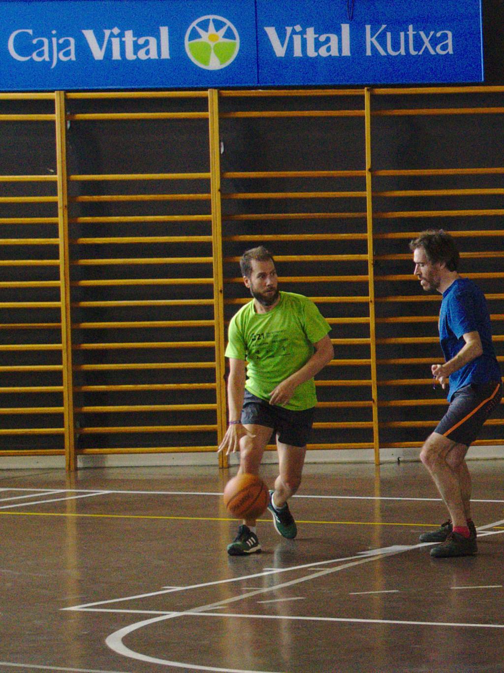Pachanga De Basket ARF ¡ OTRO AÑO MAS ROCKET CAMPEÓN! - Página 11 Dsc02113