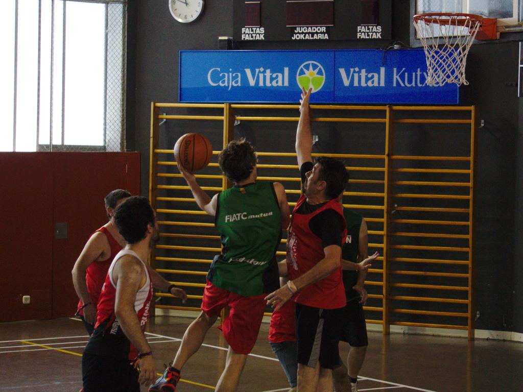 Pachanga De Basket ARF ¡ OTRO AÑO MAS ROCKET CAMPEÓN! - Página 11 Dsc02115