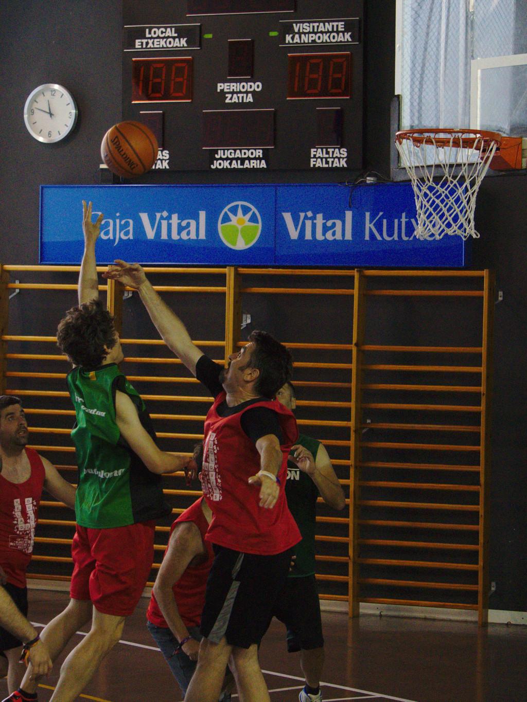 Pachanga De Basket ARF ¡ OTRO AÑO MAS ROCKET CAMPEÓN! - Página 11 Dsc02116