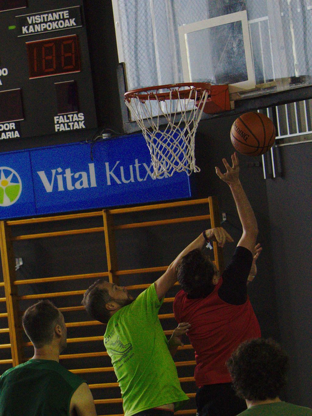 Pachanga De Basket ARF ¡ OTRO AÑO MAS ROCKET CAMPEÓN! - Página 11 Dsc02212