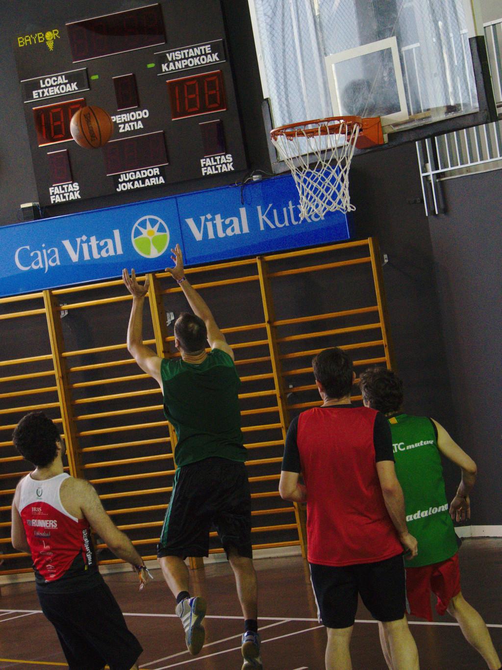 Pachanga De Basket ARF ¡ OTRO AÑO MAS ROCKET CAMPEÓN! - Página 11 Dsc02213