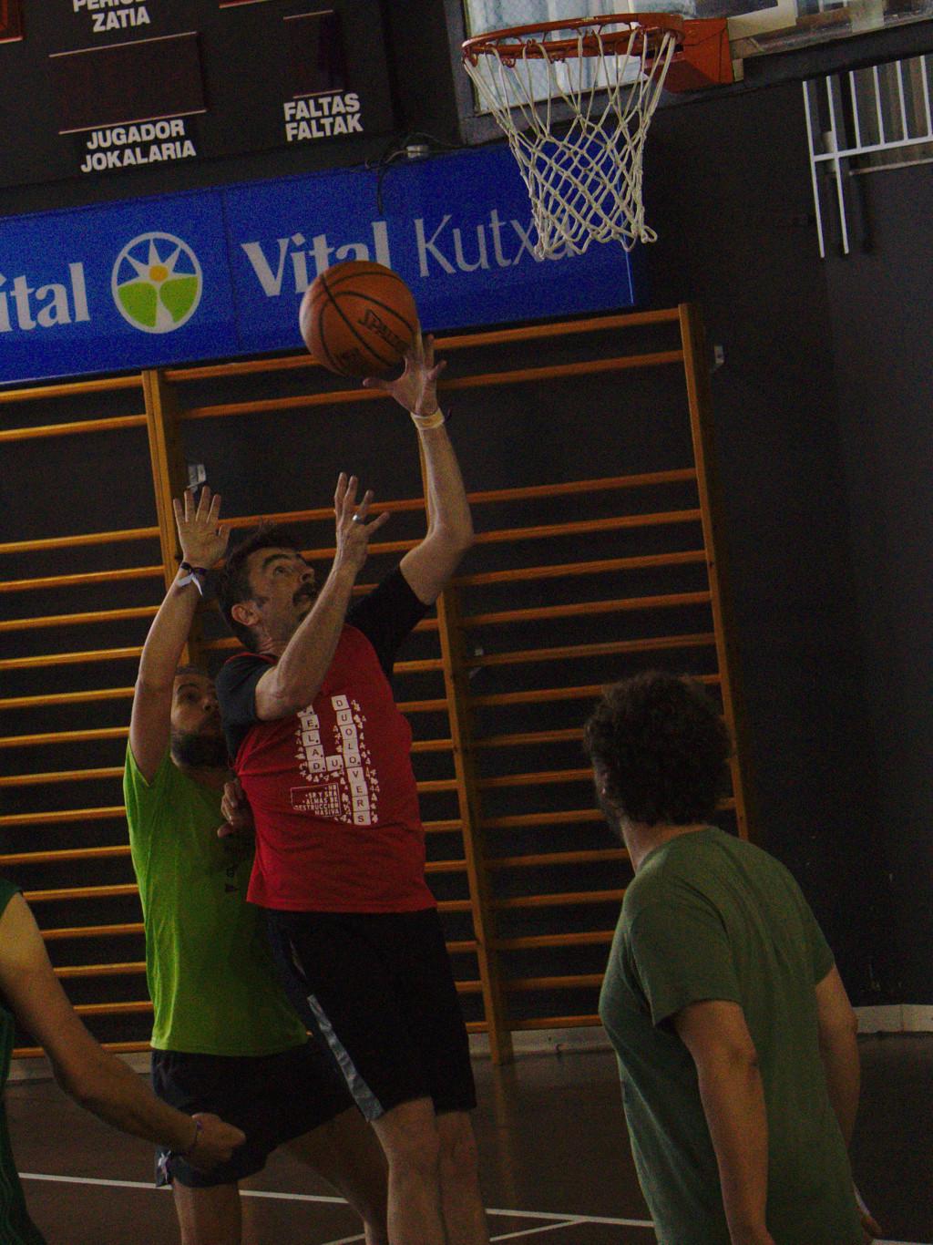 Pachanga De Basket ARF ¡ OTRO AÑO MAS ROCKET CAMPEÓN! - Página 12 Dsc02220