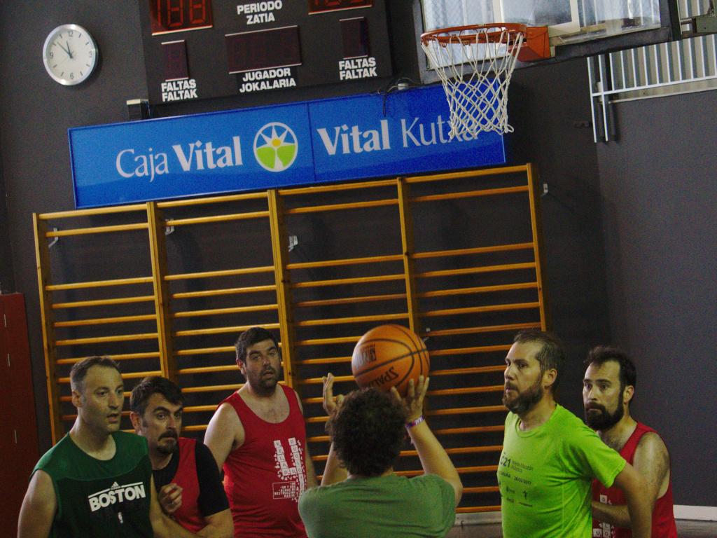 Pachanga De Basket ARF ¡ OTRO AÑO MAS ROCKET CAMPEÓN! - Página 11 Dsc02311