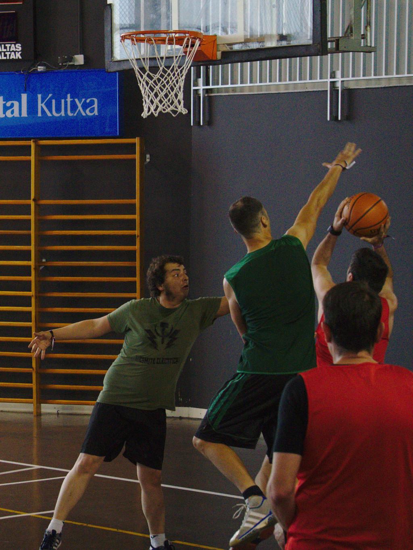 Pachanga De Basket ARF ¡ OTRO AÑO MAS ROCKET CAMPEÓN! - Página 11 Dsc02312