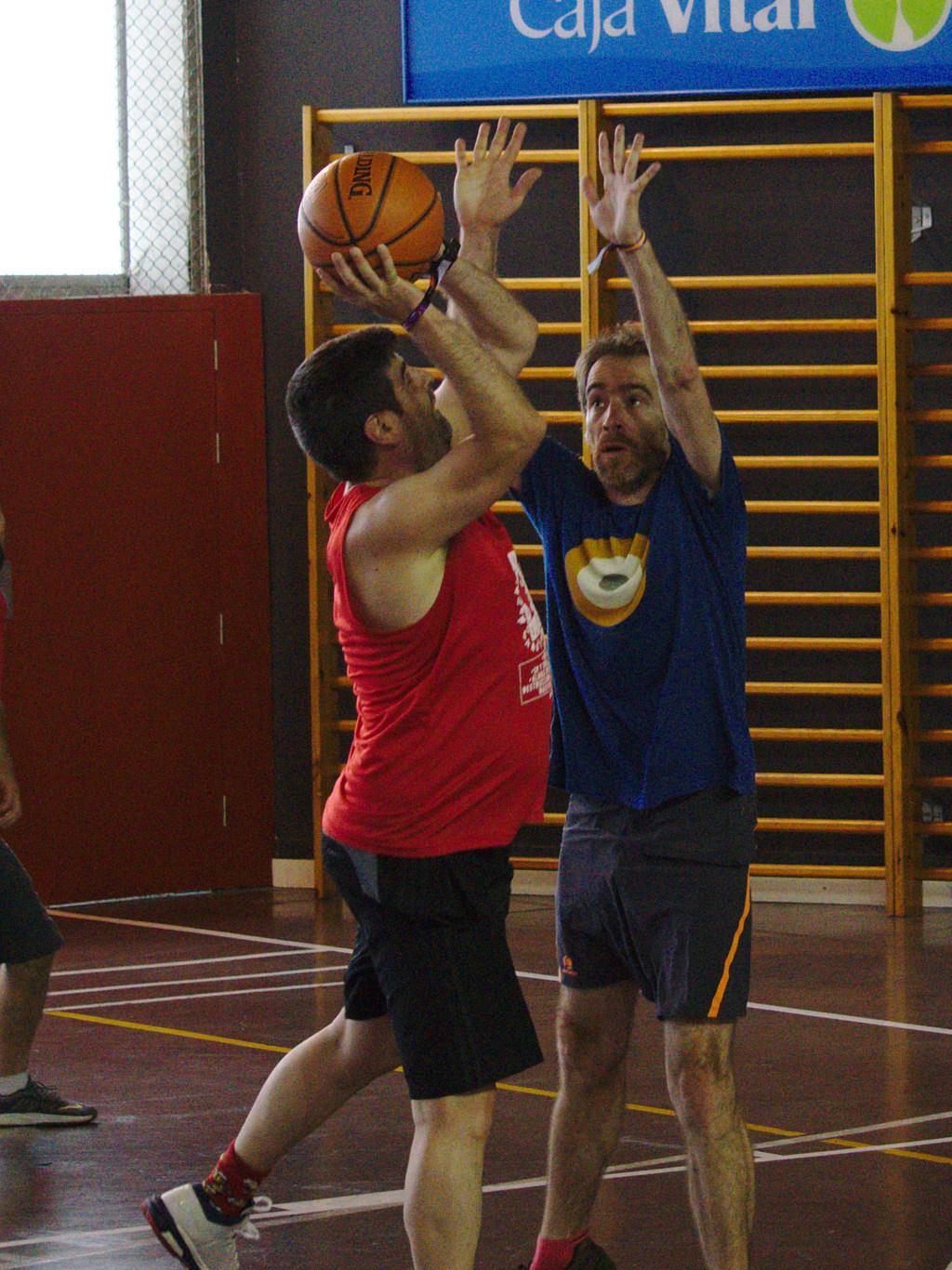 Pachanga De Basket ARF ¡ OTRO AÑO MAS ROCKET CAMPEÓN! - Página 11 Dsc02411