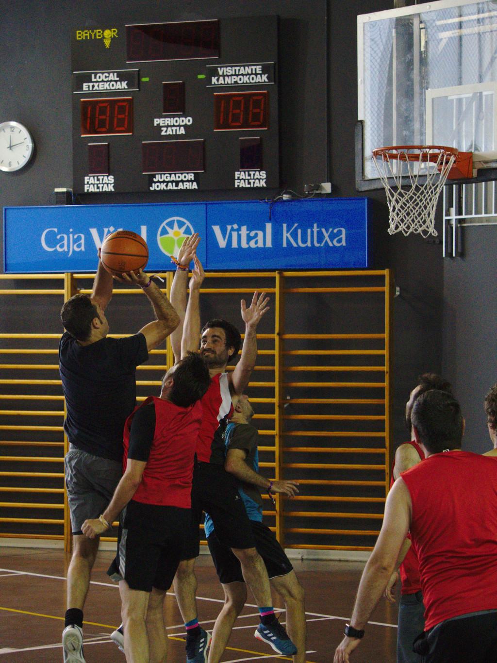 Pachanga De Basket ARF ¡ OTRO AÑO MAS ROCKET CAMPEÓN! - Página 11 Dsc02412