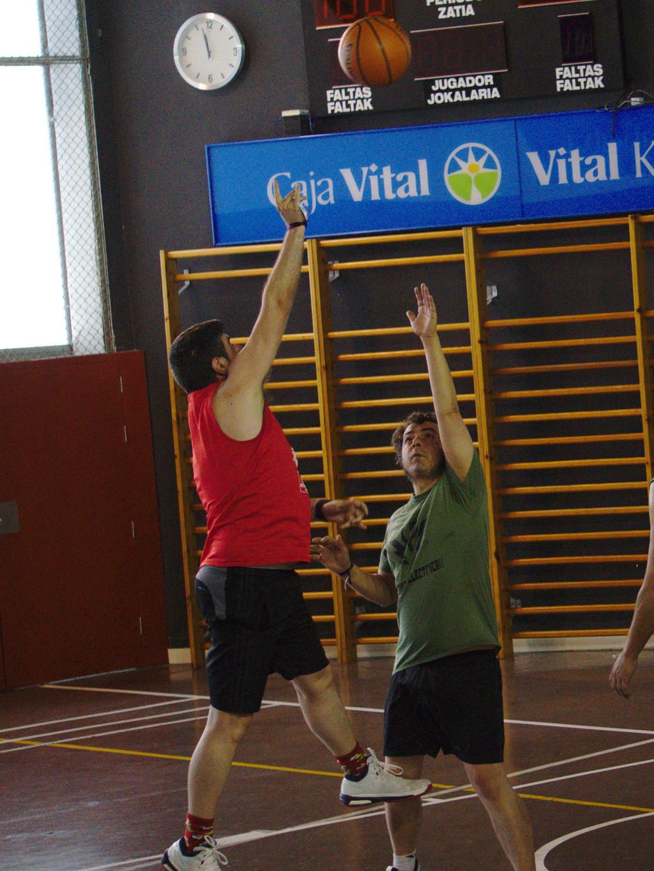 Pachanga De Basket ARF ¡ OTRO AÑO MAS ROCKET CAMPEÓN! - Página 12 Dsc02419
