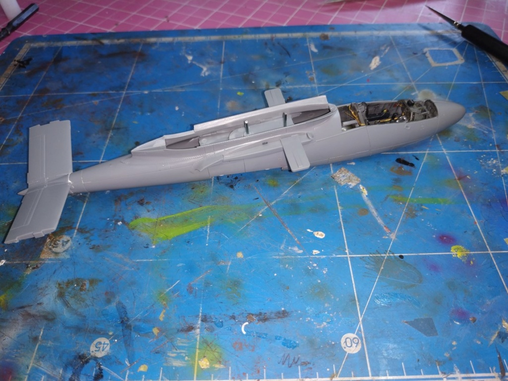 "He162 A-2  Salamander   Tamiya 1/48  -  ""montage  usine  avant peinture""   - Page 2 Image179"