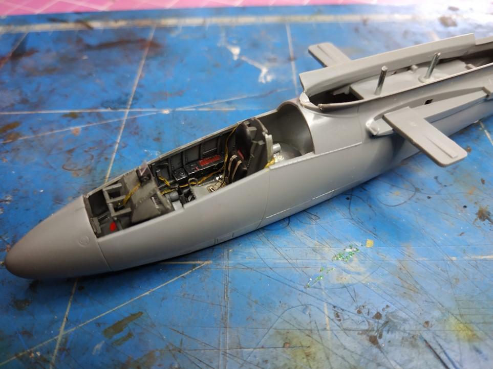"He162 A-2  Salamander   Tamiya 1/48  -  ""montage  usine  avant peinture""   - Page 2 Image260"