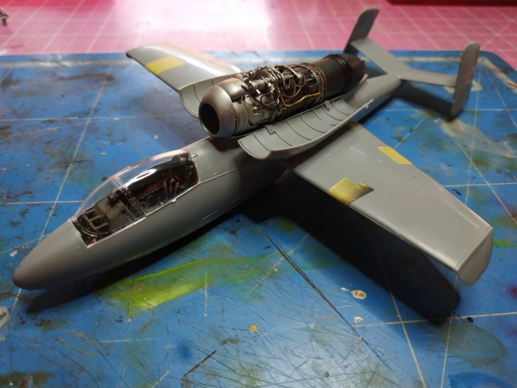 "He162 A-2  Salamander   Tamiya 1/48  -  ""montage  usine  avant peinture""   - Page 2 Image263"