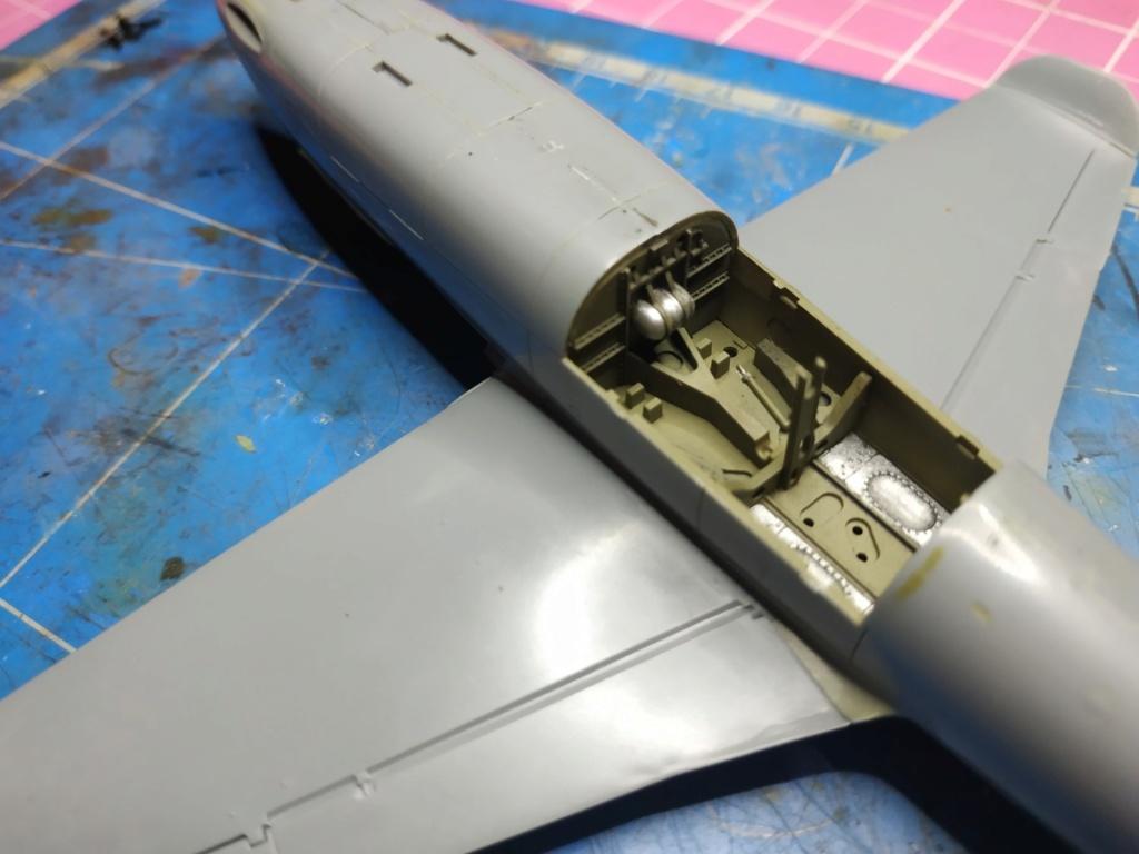 "He162 A-2  Salamander   Tamiya 1/48  -  ""montage  usine  avant peinture""   - Page 2 Image265"
