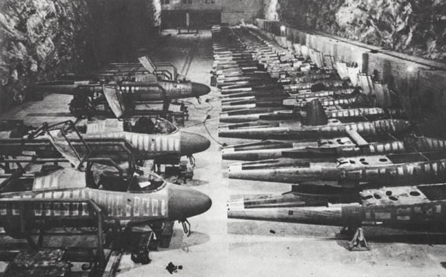 "He162 A-2  Salamander   Tamiya 1/48  -  ""montage  usine  avant peinture""   Image346"