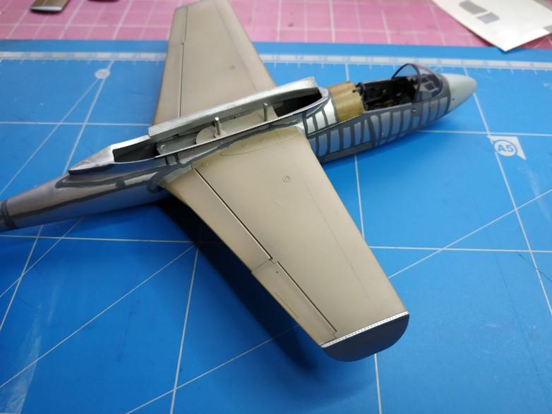 "He162 A-2  Salamander   Tamiya 1/48  -  ""montage  usine  avant peinture""   - Page 2 Image354"