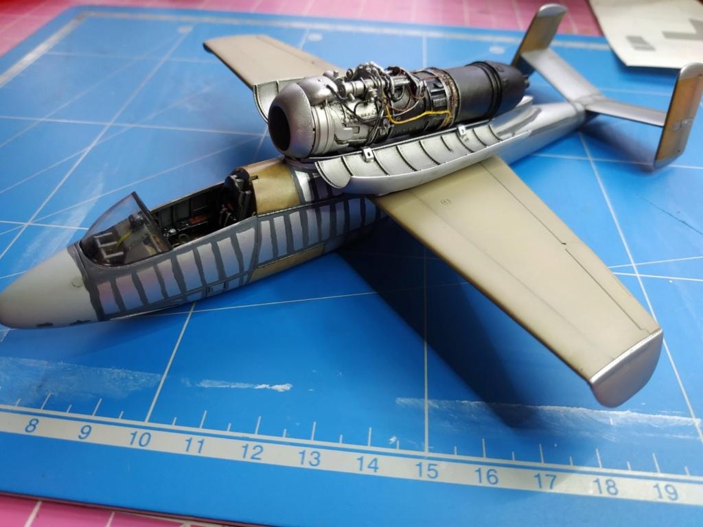 "He162 A-2  Salamander   Tamiya 1/48  -  ""montage  usine  avant peinture""   - Page 2 Image356"