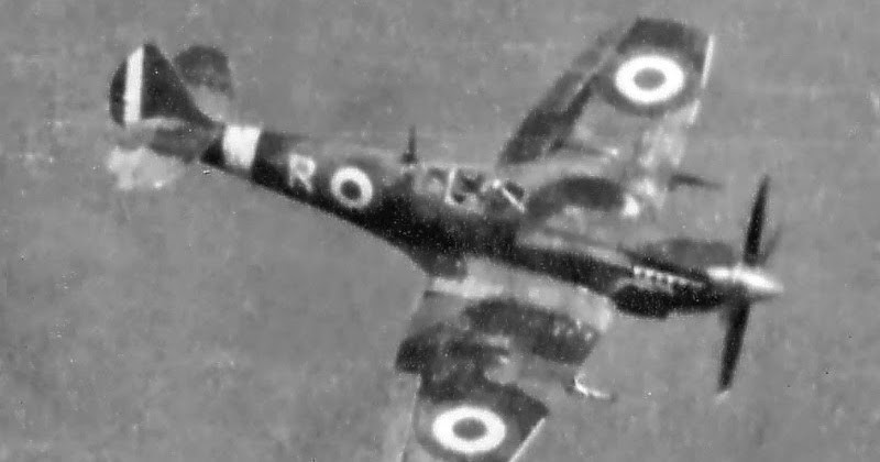 spitfire IXe Armée de l'air -   indochine  vautré    - 1/48 eduard +  plein de résine  Image474