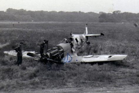 spitfire IXe Armée de l'air -   indochine  vautré    - 1/48 eduard +  plein de résine  Image483