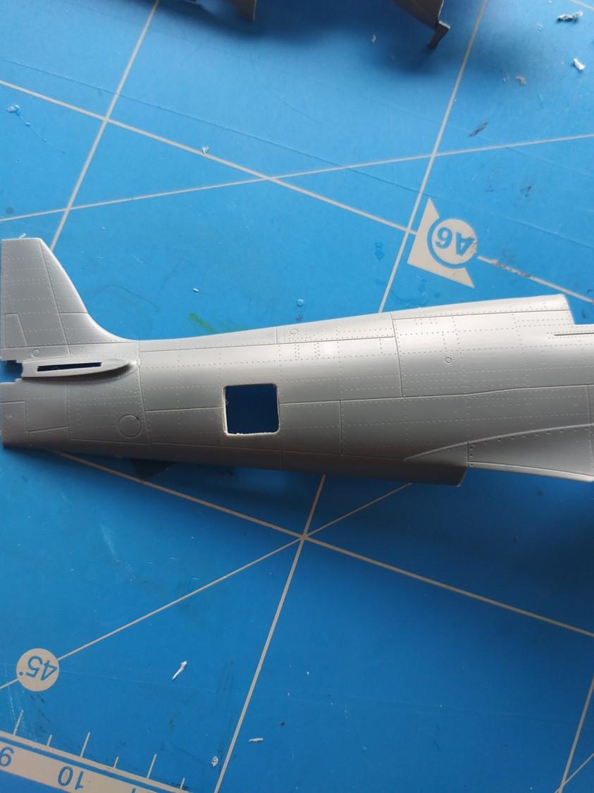 spitfire IXe Armée de l'air -   indochine  vautré    - 1/48 eduard +  plein de résine  Image487