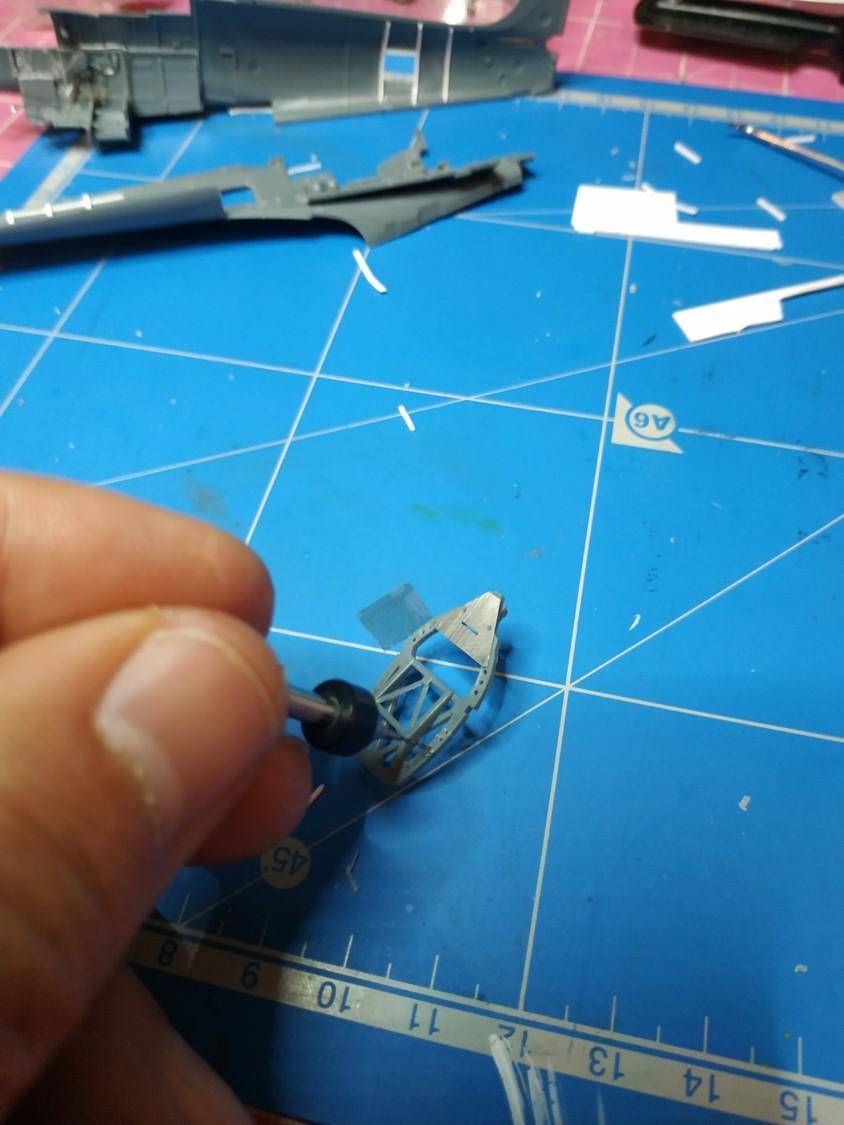 spitfire IXe Armée de l'air -   indochine  vautré    - 1/48 eduard +  plein de résine  Image498