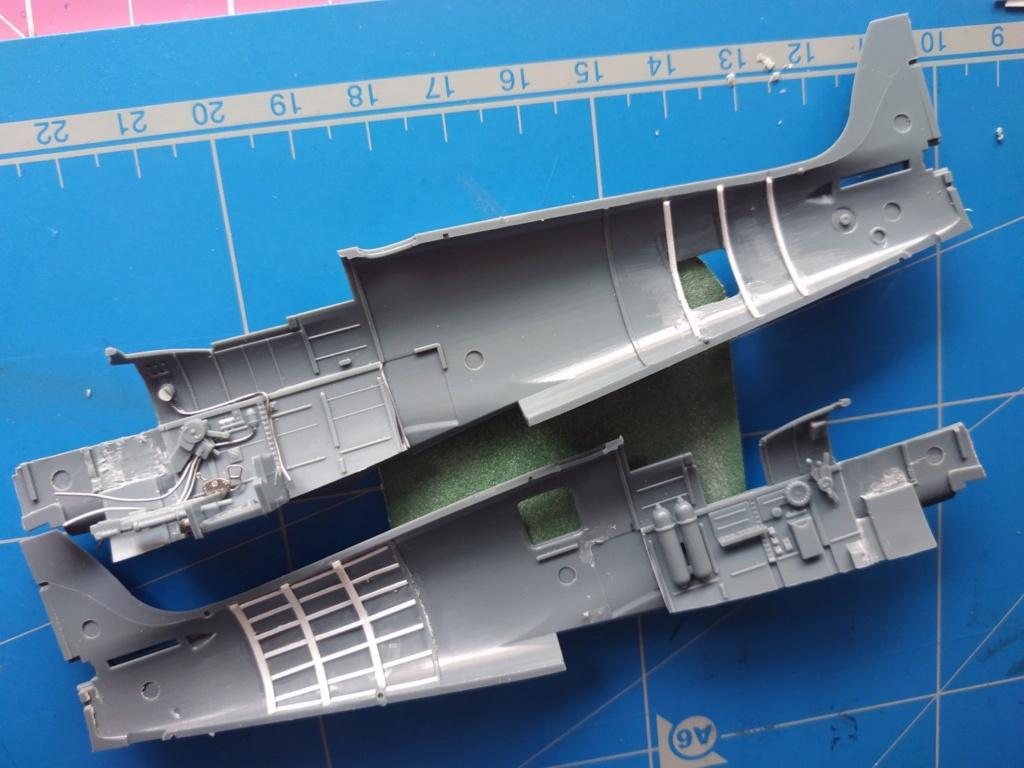 spitfire IXe Armée de l'air -   indochine  vautré    - 1/48 eduard +  plein de résine  Image501