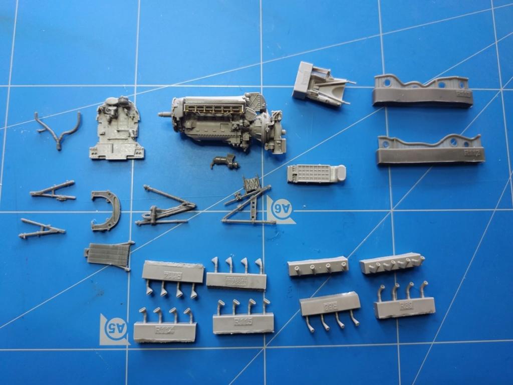 spitfire IXe Armée de l'air -   indochine  vautré    - 1/48 eduard +  plein de résine  Image572