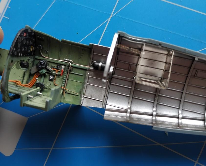 spitfire IXe Armée de l'air -   indochine  vautré    - 1/48 eduard +  plein de résine  - Page 2 Image576