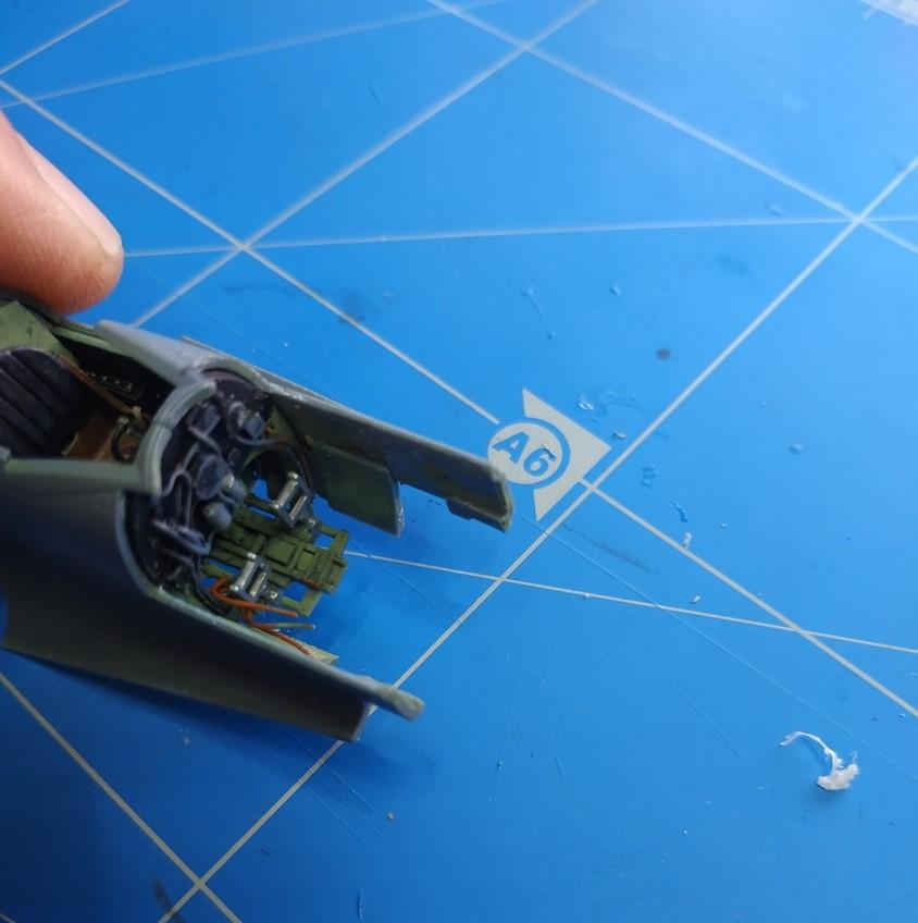 spitfire IXe Armée de l'air -   indochine  vautré    - 1/48 eduard +  plein de résine  - Page 2 Image583