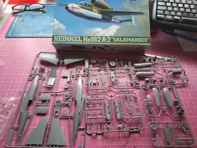 "He162 A-2  Salamander   Tamiya 1/48  -  ""montage  usine  avant peinture""   Image716"