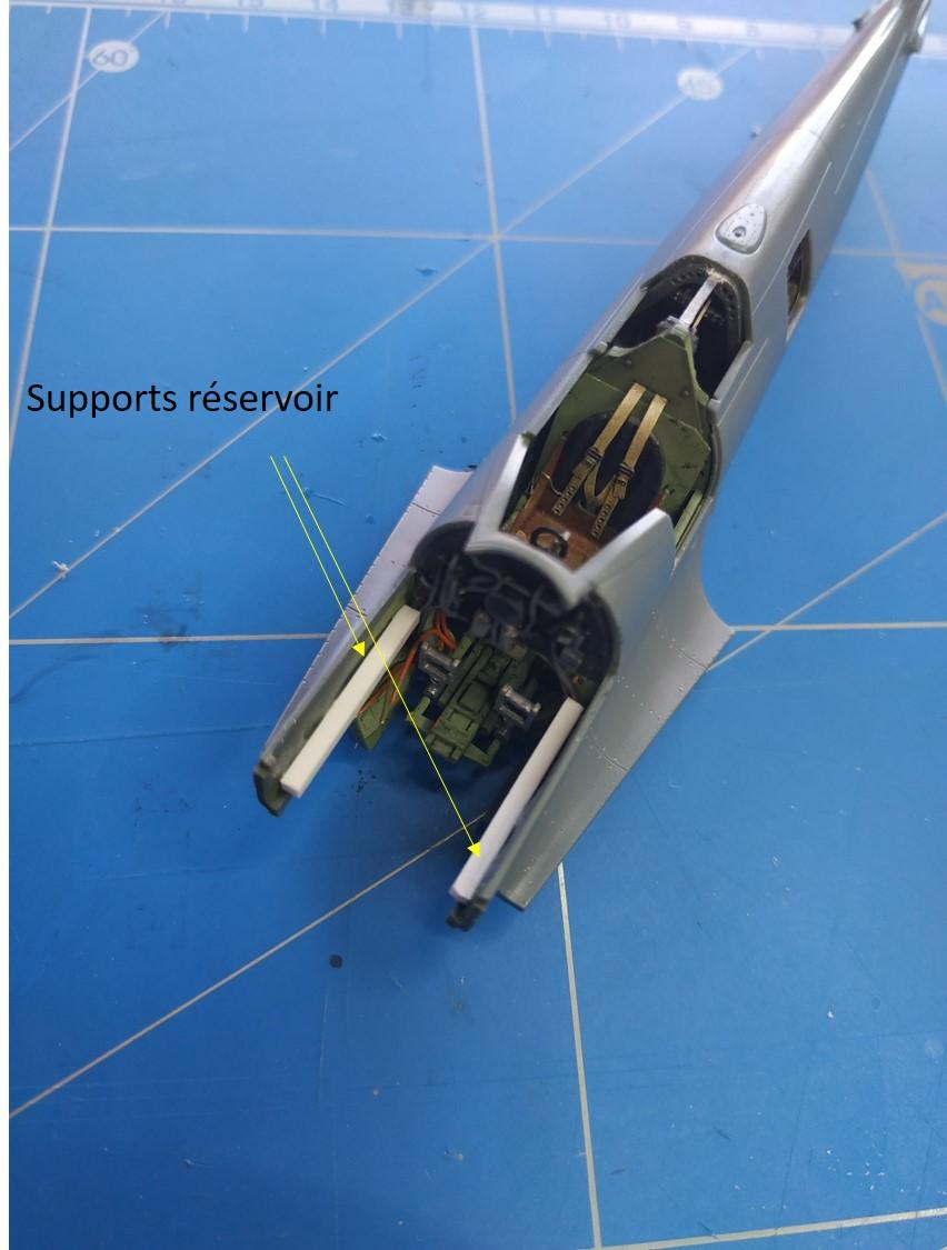 spitfire IXe Armée de l'air -   indochine  vautré    - 1/48 eduard +  plein de résine  - Page 2 Image761