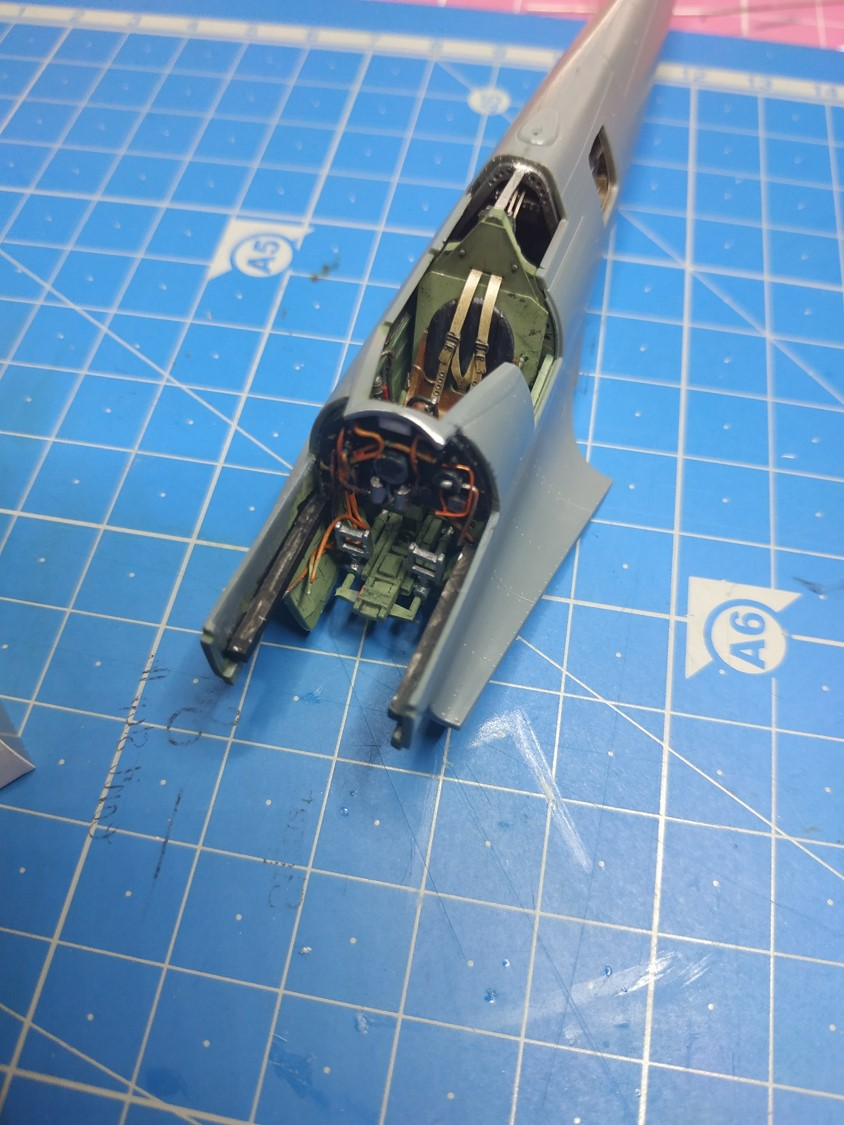 spitfire IXe Armée de l'air -   indochine  vautré    - 1/48 eduard +  plein de résine  - Page 2 Image769