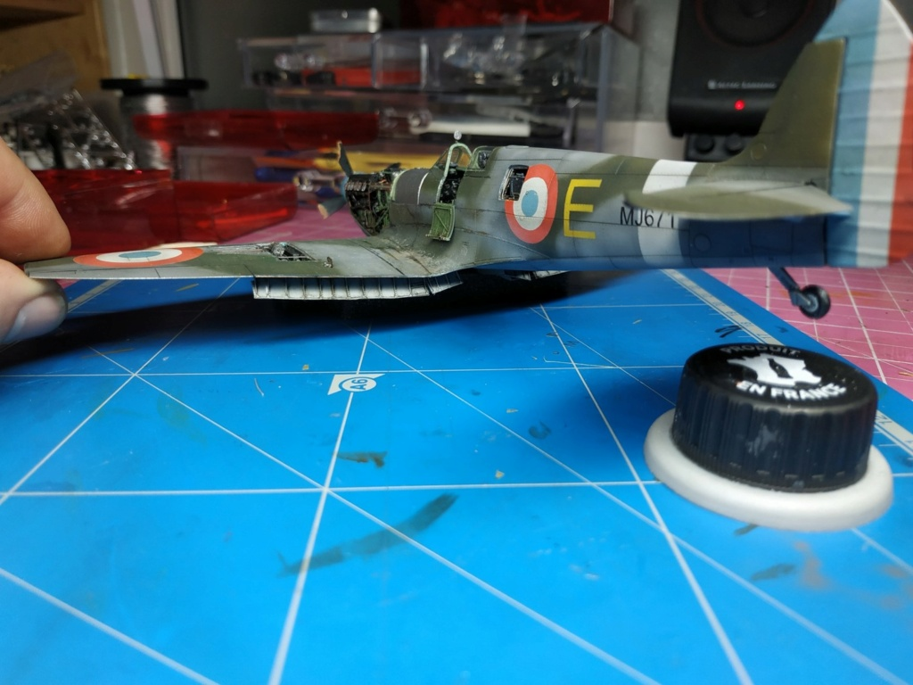 spitfire IXe Armée de l'air -   indochine  vautré    - 1/48 eduard +  plein de résine  - Page 6 Image856