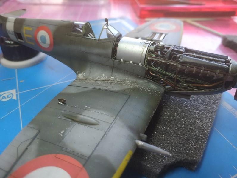 spitfire IXe Armée de l'air -   indochine  vautré    - 1/48 eduard +  plein de résine  - Page 6 Image860