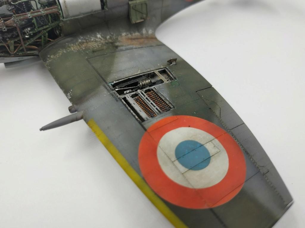 spitfire IXe Armée de l'air -   indochine  vautré    - 1/48 eduard +  plein de résine  - Page 6 Image871