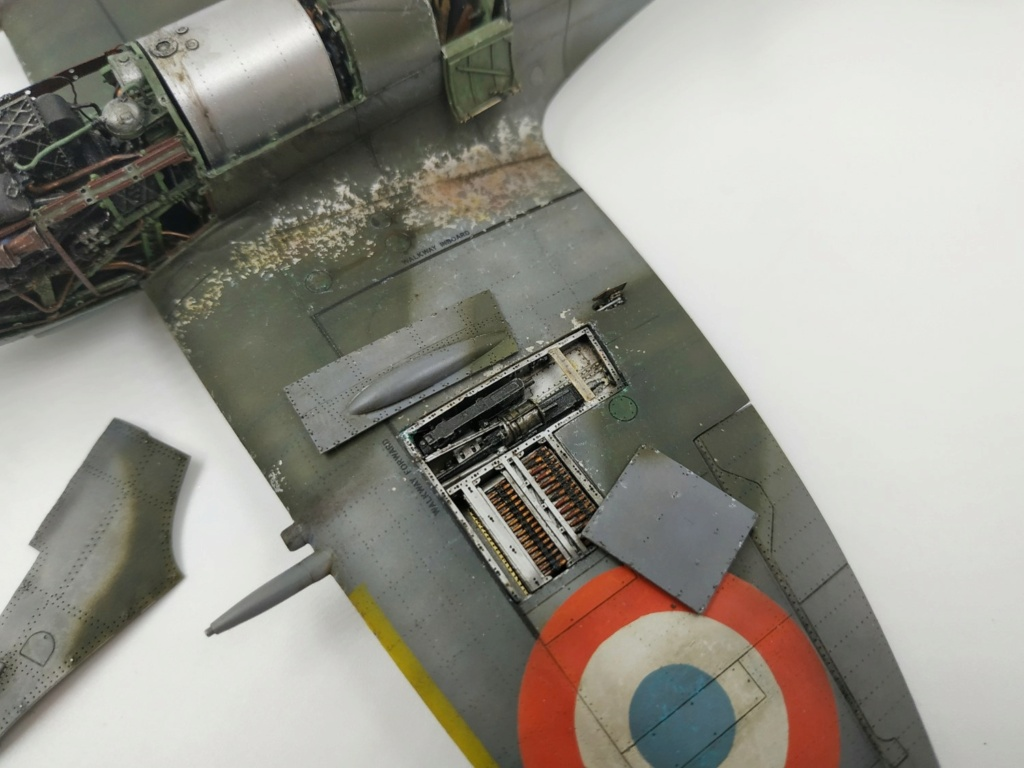 spitfire IXe Armée de l'air -   indochine  vautré    - 1/48 eduard +  plein de résine  - Page 6 Image874