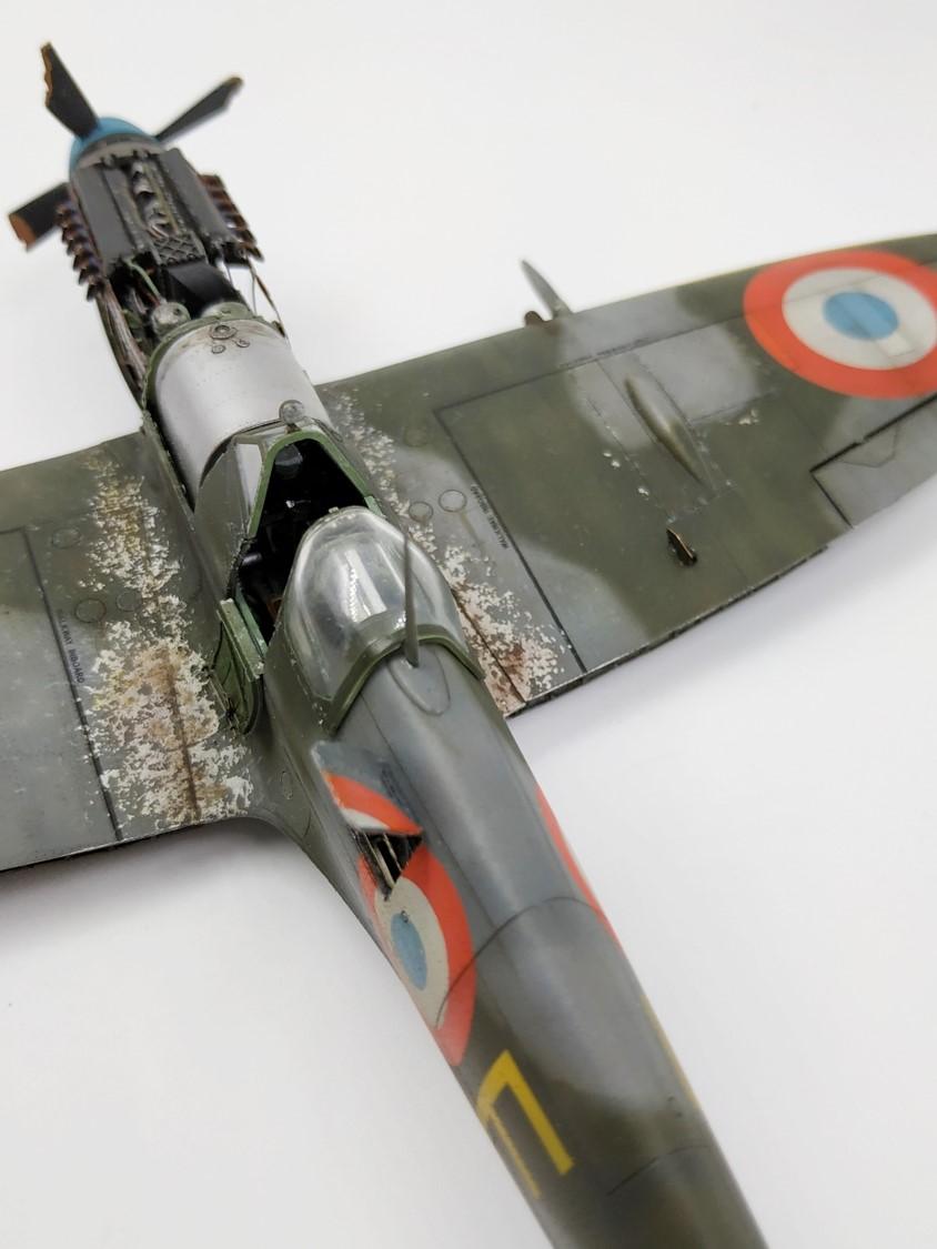 spitfire IXe Armée de l'air -   indochine  vautré    - 1/48 eduard +  plein de résine  - Page 6 Image876