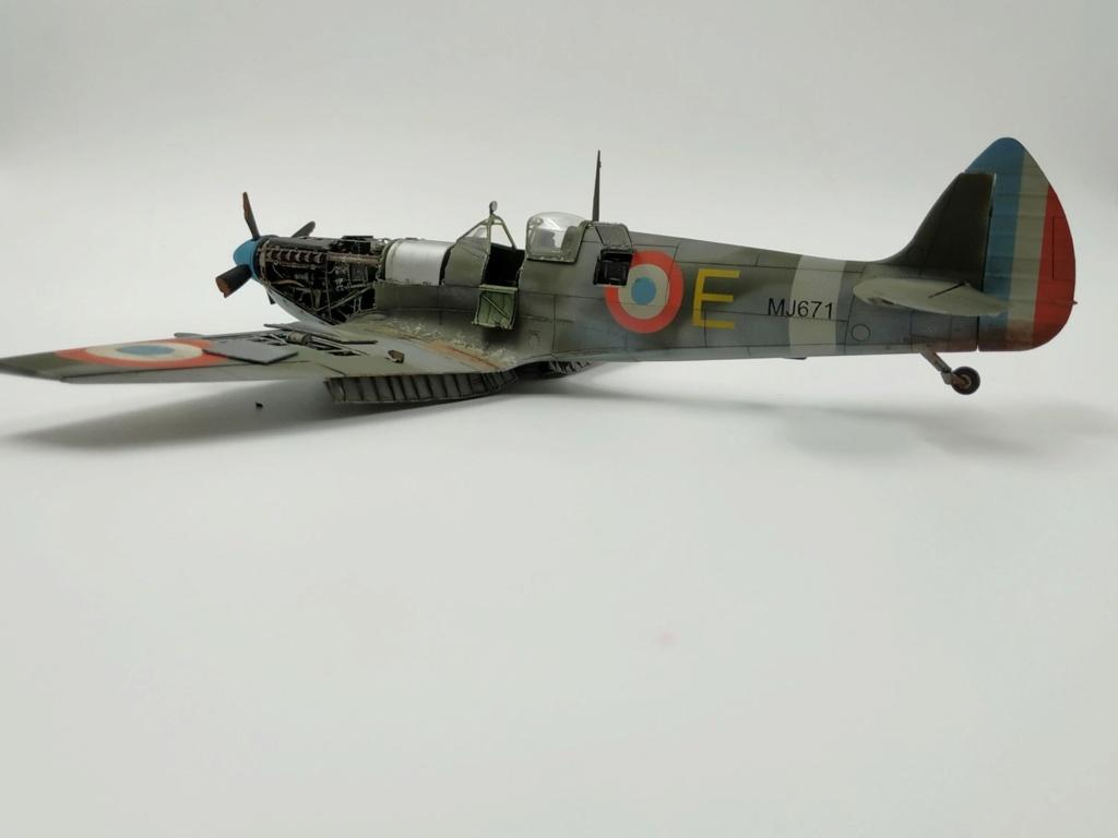 spitfire IXe Armée de l'air -   indochine  vautré    - 1/48 eduard +  plein de résine  - Page 6 Image879