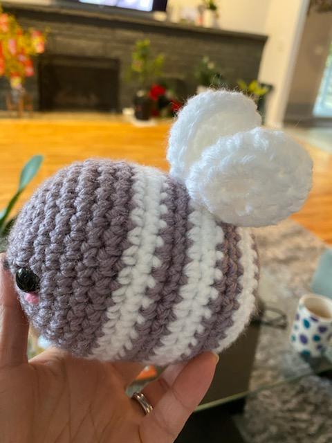 khoe những tác phẩm mình crochets nha Bee_110