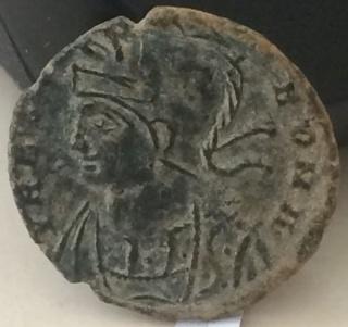 AE4 conmemorativo de Roma. Loba capitolina. Arlés Zxc10